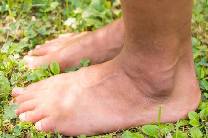 吉野さんの足。指がまっすぐ伸びているのがわかります。
