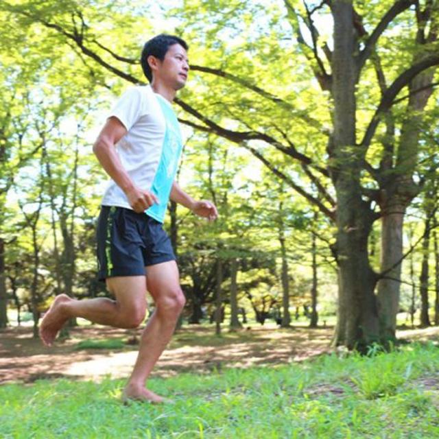裸足で走ってケガ知らず!? ランニングの常識を覆すベアフット・ランニング
