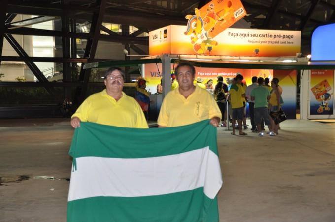 ボリビアのサンタ・クルスからきた2人。「ボリビアいいところだよ」とアピール