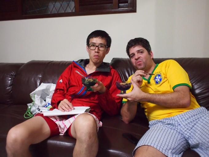 車に乗せてくれたブラジル人の家でアサイーをご馳走になる