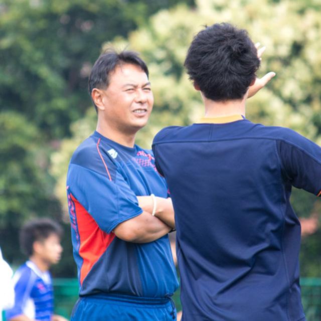 大学サッカー界を率いる明大・神川明彦監督「人間性を鍛え抜く」その手腕とは