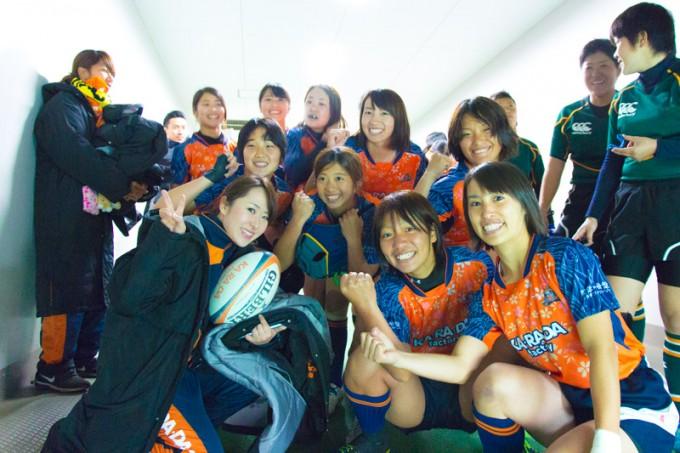 試合前にはこんな表情も。会った人みんながファンになる、という笑顔が彼女たちの魅力