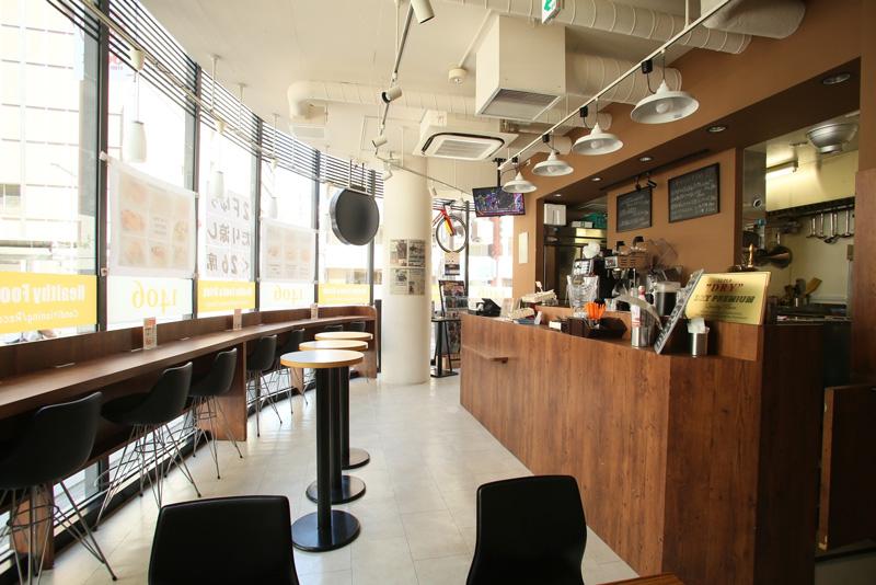 神田のアスリートカフェ『Cafe1406』でふわもち九州パンケーキを食べてみた