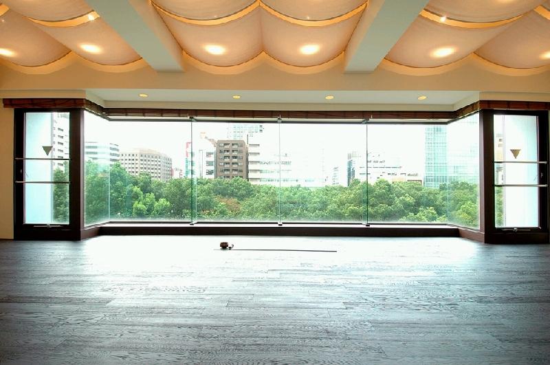都会のど真ん中で、絶景ヨガ! 緑を感じられるヨガスタジオ in名古屋