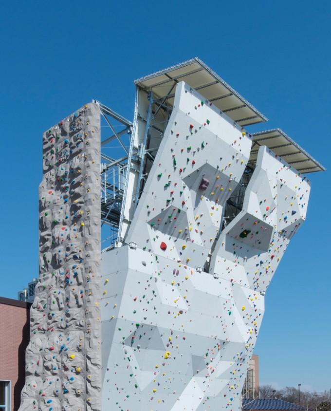 PLAY_climbing_wall#1_s