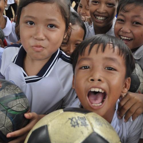 サッカーで世界中の子供達を笑顔に「アルムンドパスプロジェクト」