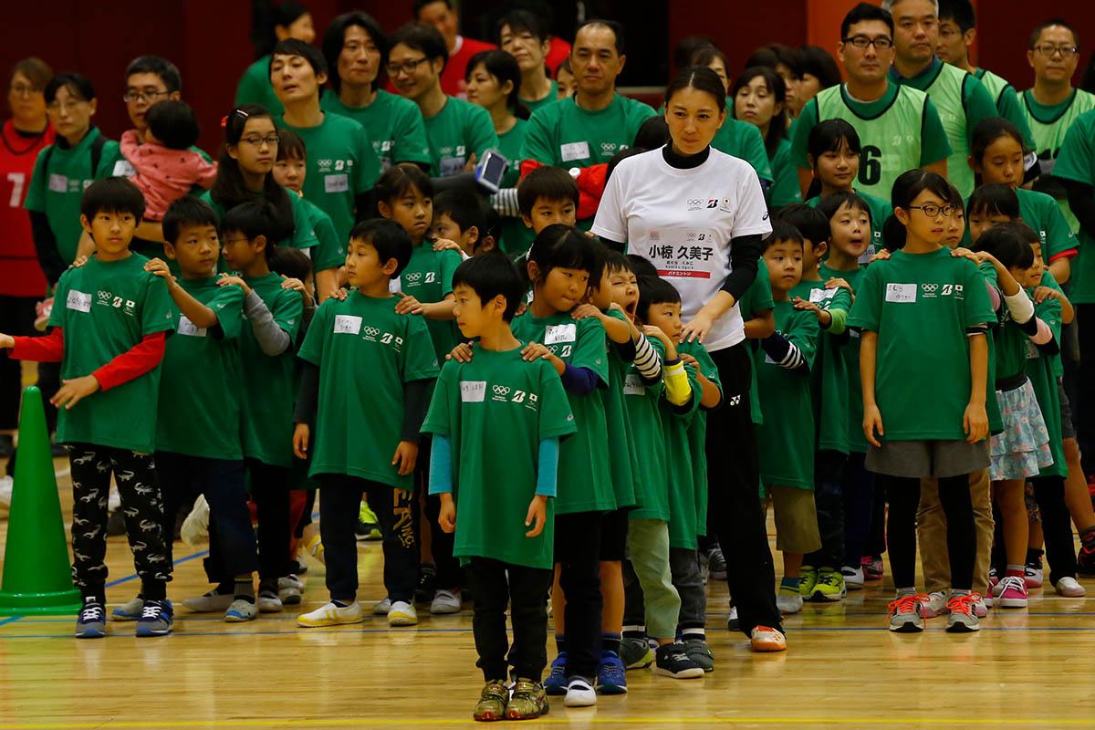 萩野公介選手らトップアスリートが子ども達と運動会