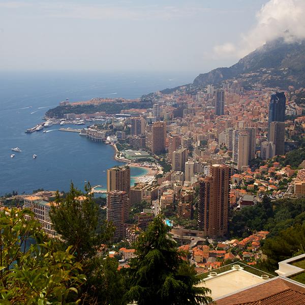 街中を走り抜ける世界一優雅なレース「モナコGP」とは?