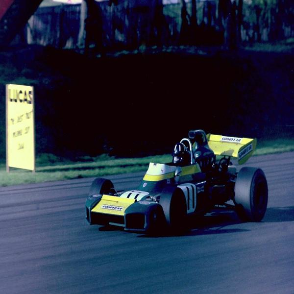 達成したのはたった1人!モータースポーツ最高の栄誉「トリプルクラウン」