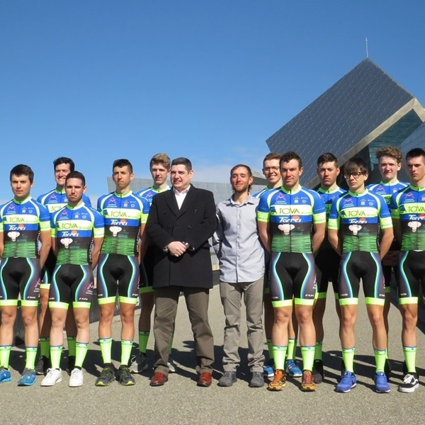 スペイン U-23世代の自転車チームが持つ役割とは
