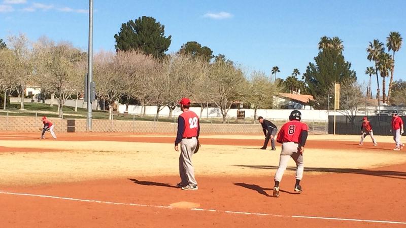 全米各地からラスベガスに集まってきた野球オヤジたち。メジャーリーグより一足早いトーナメントに参加取材