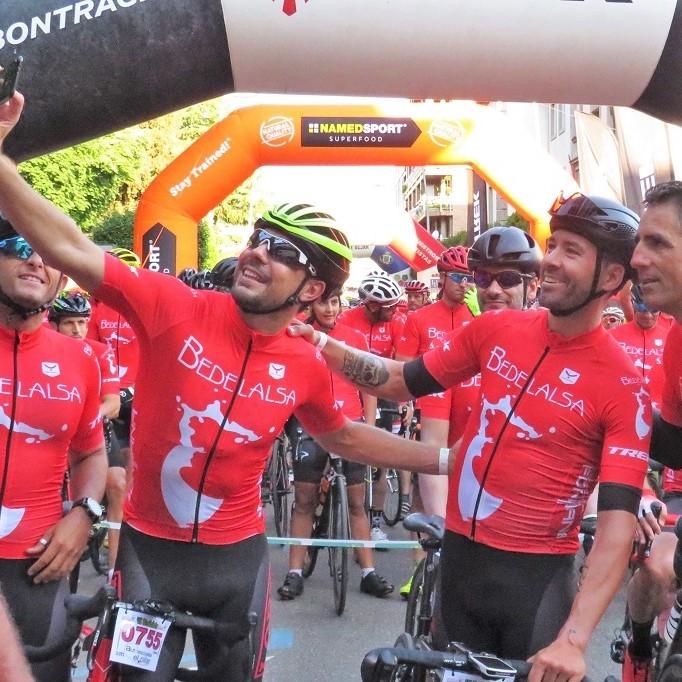 ブエルタ・エスパーニャで見たあの山に挑む!名サイクリストと走るマルチャ・シクロツーリスタ・べデラルサ
