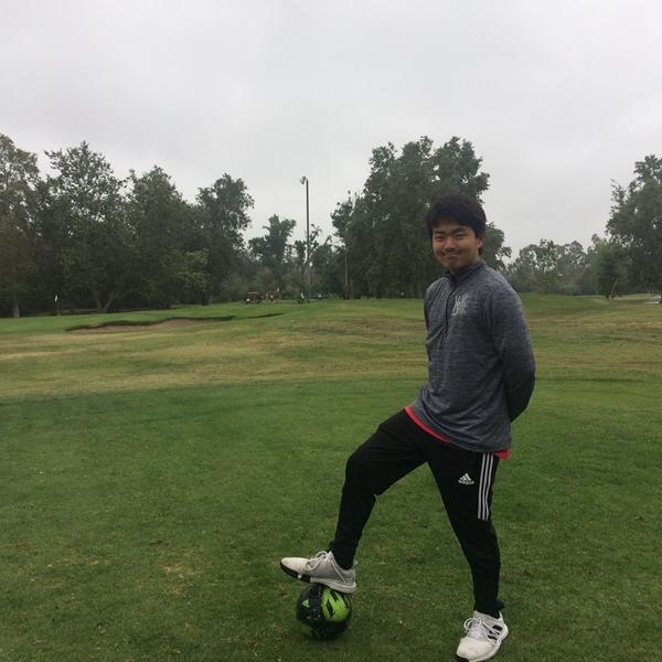 サッカーとゴルフが融合!21世紀の新スポーツ「フットゴルフ」とは
