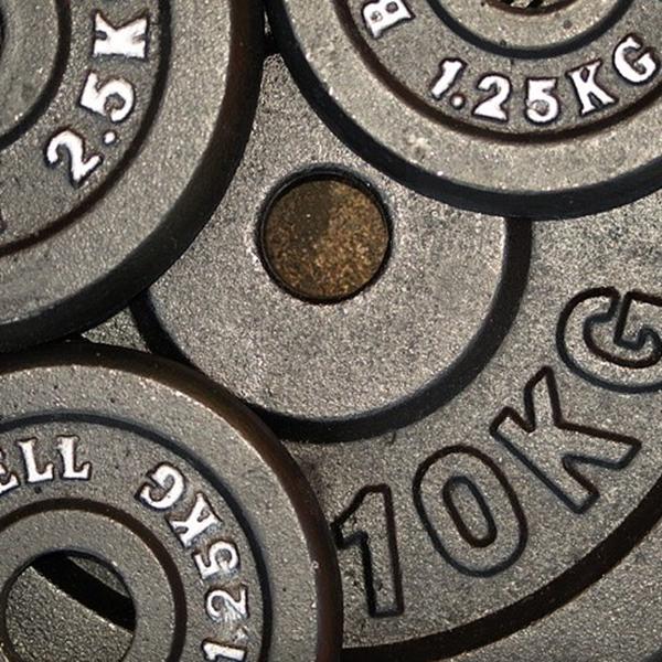 筋トレは総負荷量が大切!筋トレの効果を高める法則を紹介