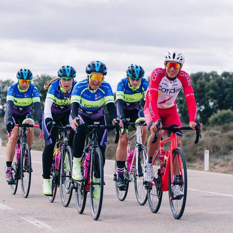 次の世代のサイクリストのために。チーム・フェルナンド・バルセロ・プロジェクト
